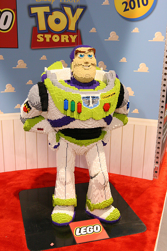 Lego Toy Story-Buzz Light Year Model